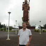 TPG and the 108-foot-tall statue of Shiva at Grand Bassin.