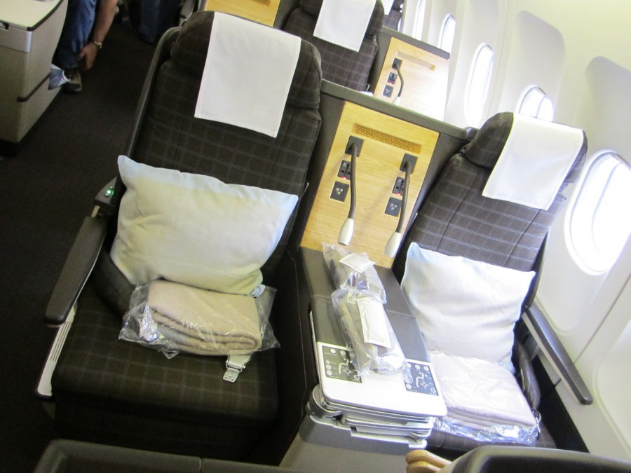 LUFTHANSA Advance Seat Selection Fees For Low Level