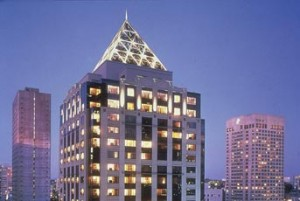 The W Seattle features 415 luxury guest rooms and 9 suites.