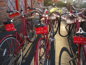 The Hamlet Inn provides free bike rentals for guests.