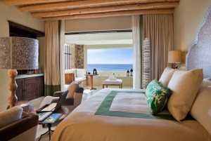 Ocean view king guest room at Capella Pedregal.