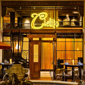 Cielito offers high-end seafood such as oysters and cerviche.