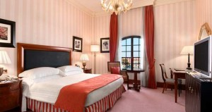 King guest room at the Hilton Molino Stucky Venice.