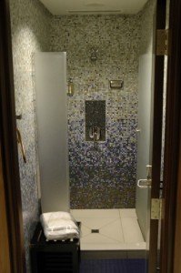 The lounge's shower suites were very nice.