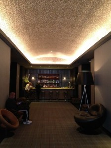 The small bar area off the lobby.