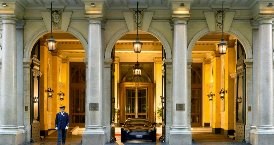 A closer shot of the grand entrance...Image courtesy of Starwood Hotels