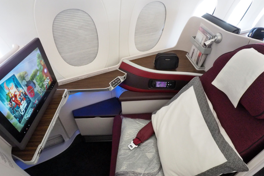"""You can """"dim"""" your windows on the Boeing Dreamliner, but you get full blackout shades on Qatar's A350."""