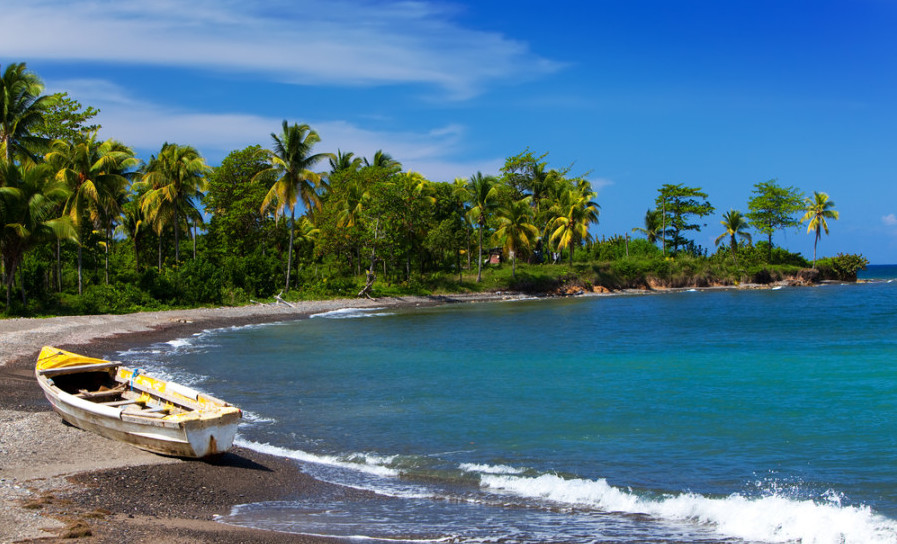 Instead of calling, try booking awards to Jamaica on AA.com. Photo courtesy of Shutterstock.