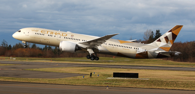 Etihad Dreamliner Featured