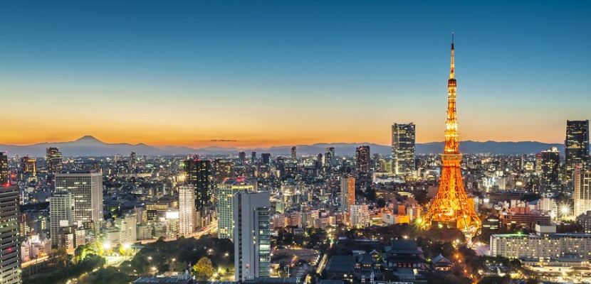 Tokyo at night featured shutterstock 122019985