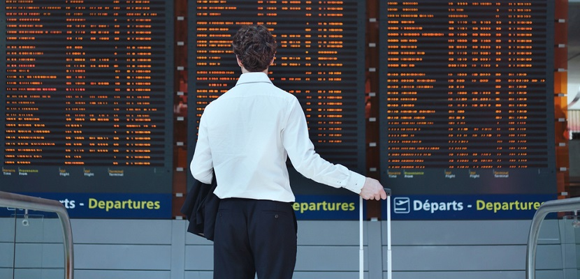Airport flight board featured shutterstock 208010329