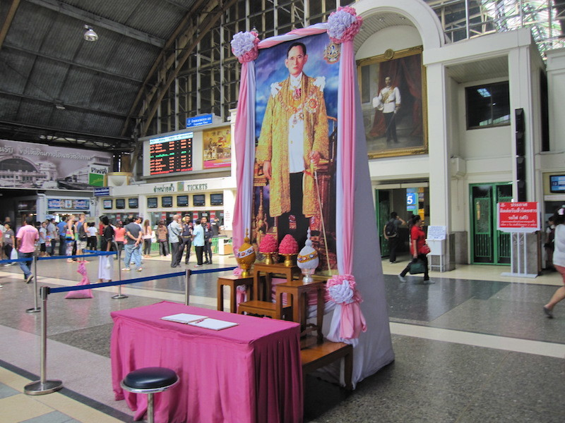 King Bhumibol Adulyadej, or Rama IX, is celebrated throughout the country, including the Hua Lamphong Rail Station.