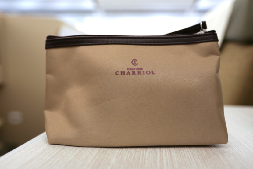 Vietnam's business-class amenity kit was pretty basic and came in a Charriol bag.
