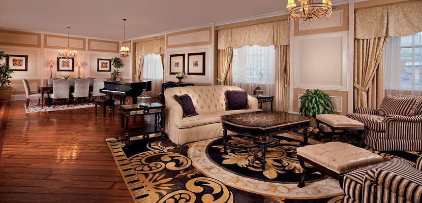 Roosevelt New Orleans King Suite featured