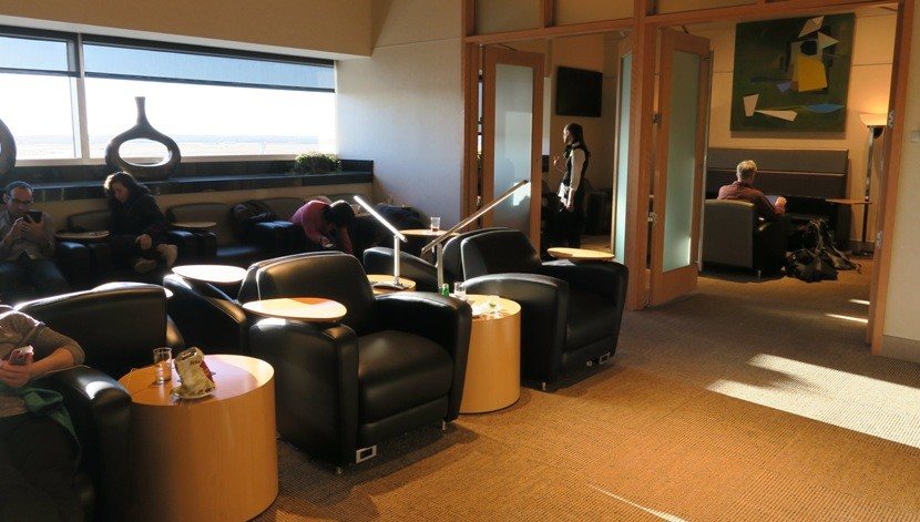 The Club DFW: A rather small lounge, but free thanks to a Priority Pass membership.