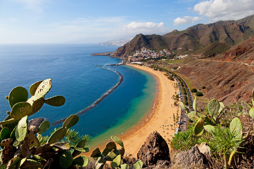 American partner awards from Europe to the Canary Islands cost just 10,000 miles each way in economy