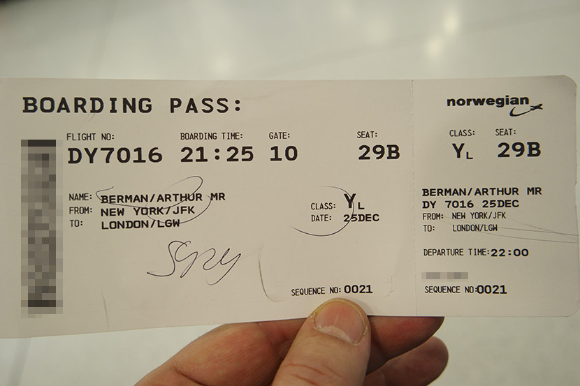 With my ticket (in English this time), ready to go!