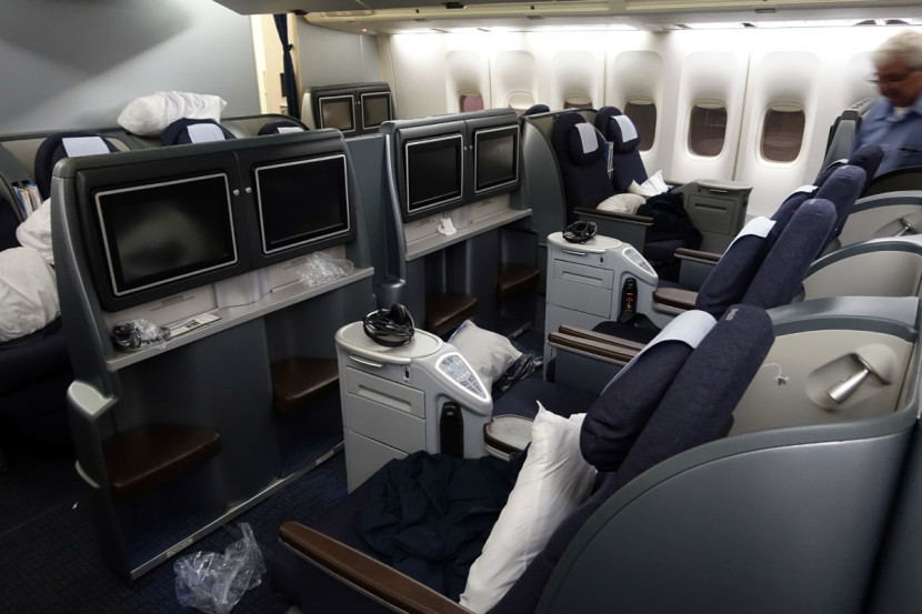 United's 4-across business class on the main deck.