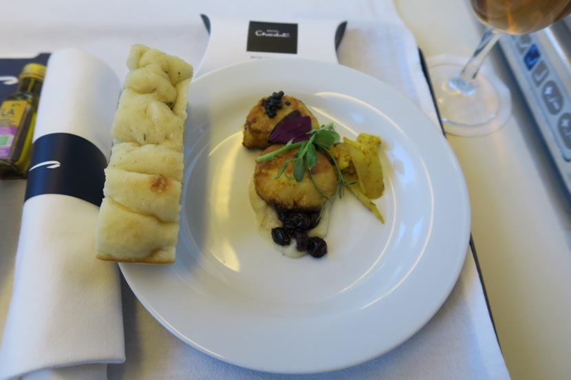 Even though we were barely halfway back in the cabin, only the scallop option was available as a starter.