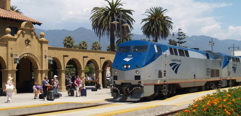 Amtrak Pacific Surfliner in Santa Barbara, California.