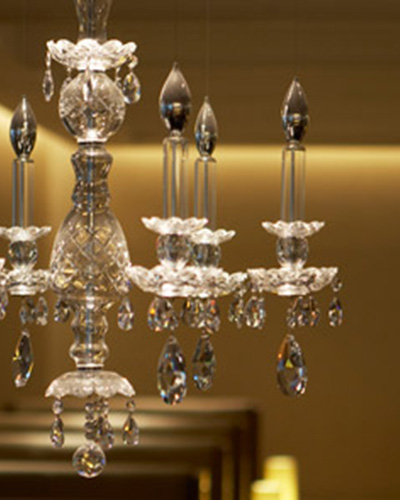 It's nothing but cocktails and crystal chandeliers in BA's JFK Concorde Room.