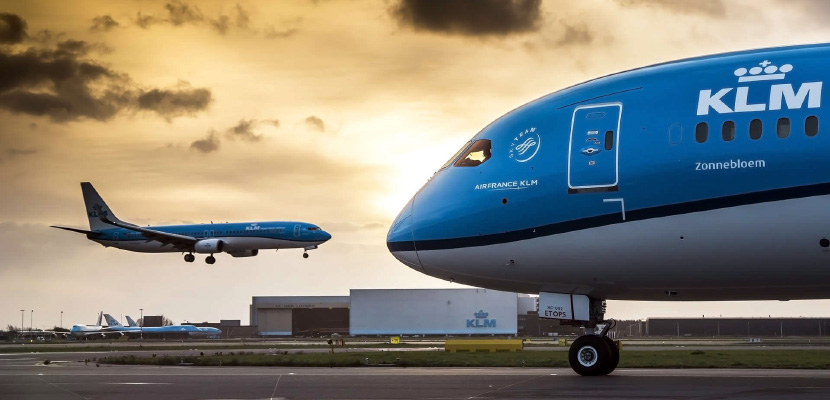 klm Dreamliner featured